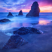 This sunset at Rodeo Beach in the Marin Headlands provided a great opportunity to photograph the popular Three Amigos rock formation using a long exposure witrh a Lee ND filter.