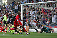 Photo: Lee Earle.<br /> Crystal Palace v Sheffield United. Coca Cola Championship. 22/09/2007. United keeper Paddy Kenny looks frustrated as Tom Soares turns to celebrate after scoring Palace's first goal.