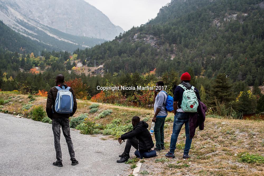 Bardonecchia 01/10/2017 Migrants attempt to reach France through the alpine passes of Valle Stretta and Colle della Scala