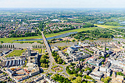Nederland, Gelderland, Arnhem, 29-05-2019; zicht op de Nederrijn en John Frostbrug vanuit de binnenstad, Airborneplein in de voorgrond.<br /> Lower Rhine and John Frost bridge, seen from downtown with Airborneplein in the foreground.<br /> luchtfoto (toeslag op standard tarieven);<br /> aerial photo (additional fee required);<br /> copyright foto/photo Siebe Swart