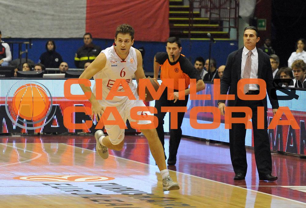 DESCRIZIONE : Milano Eurolega 2011-12 EA7 Emporio Armani Milano Real Madrid<br /> GIOCATORE : Stefano Mancinelli<br /> CATEGORIA : Palleggio<br /> SQUADRA : EA7 Emporio Armani Milano<br /> EVENTO : Eurolega 2011-2012<br /> GARA : EA7 Emporio Armani Milano Real Madrid<br /> DATA : 01/12/2011<br /> SPORT : Pallacanestro <br /> AUTORE : Agenzia Ciamillo-Castoria/ L.Goria<br /> Galleria : Eurolega 2011-2012<br /> Fotonotizia : Milano Eurolega 2011-12 EA7 Emporio Armani Milano Real Madrid<br /> Predefinita :