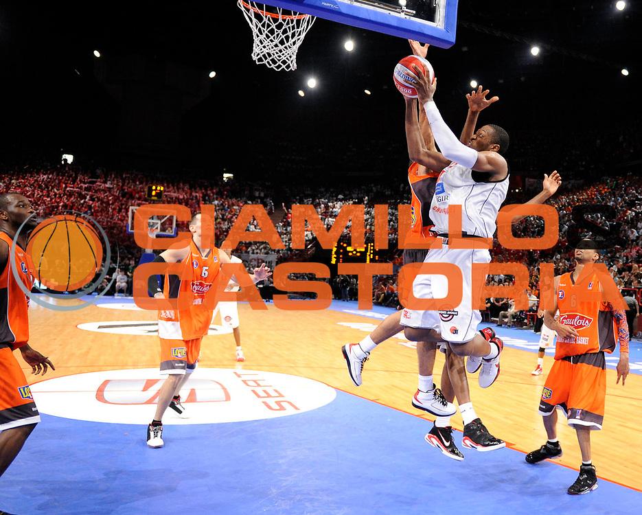 DESCRIZIONE : Ligue France Pro A  Le Mans Cholet  Finale<br /> GIOCATORE : Robinson Antywane<br /> SQUADRA : Cholet<br /> EVENTO : FRANCE Ligue  Pro A 2009-2010<br /> GARA : Le Mans Cholet<br /> DATA : 13/06/2010<br /> CATEGORIA : Basketball Pro A Action<br /> SPORT : Basketball<br /> AUTORE : JF Molliere par Agenzia Ciamillo-Castoria <br /> Galleria : France Ligue Pro A 2009-2010 <br /> Fotonotizia : Ligue France Pro A  Le Mans Cholet Finale<br /> Predefinita :