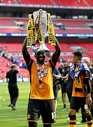 Match winner Mohamed Diame of Hull City lifts the Playoff Final Trophy - Mandatory by-line: Robbie Stephenson/JMP - 28/05/2016 - FOOTBALL - Wembley Stadium - London, England - Hull City v Sheffield Wednesday - Sky Bet Championship Play-off Final