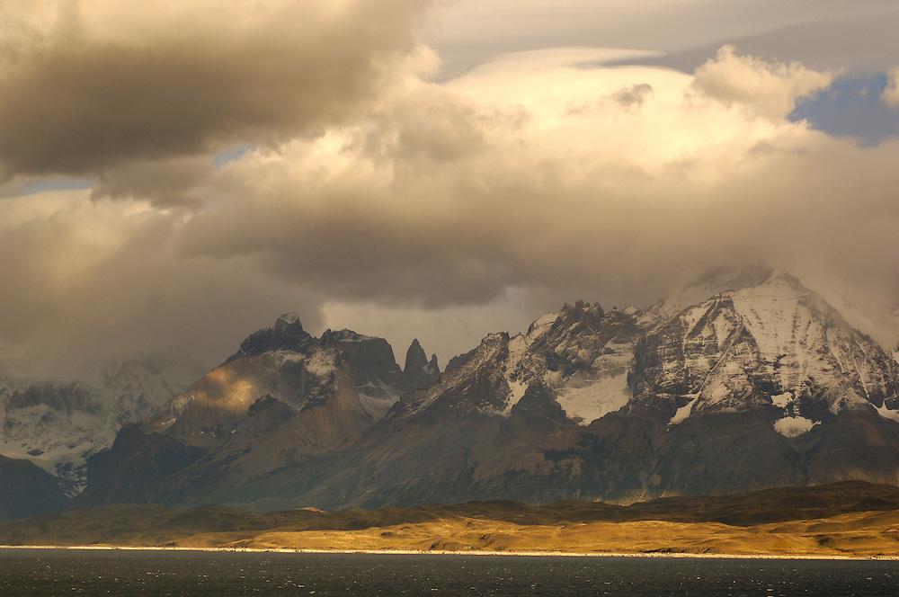 view over Lago Sarmiento, Parque Nacional Torres del Paine, Magallanes, Patagonia, Chile