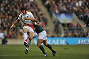 Twickenham, GREAT BRITAIN, Danny CIPRIANI, charged of the ball,  during the Investec Challenge Series, England vs South Africa  [RSA], Autumn Rugby International at Twickenham Stadium, Surrey on Sat 22.11.2008 [Photo, Peter Spurrier/Intersport-images]