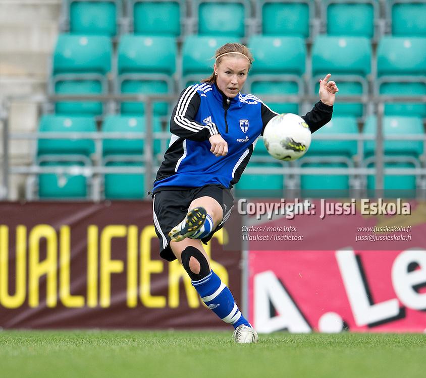 Heidi Kivelä. Naisten maajoukkue. Harjoitukset. Tallinna, Viro, 14.9.2012. Photo: Jussi Eskola