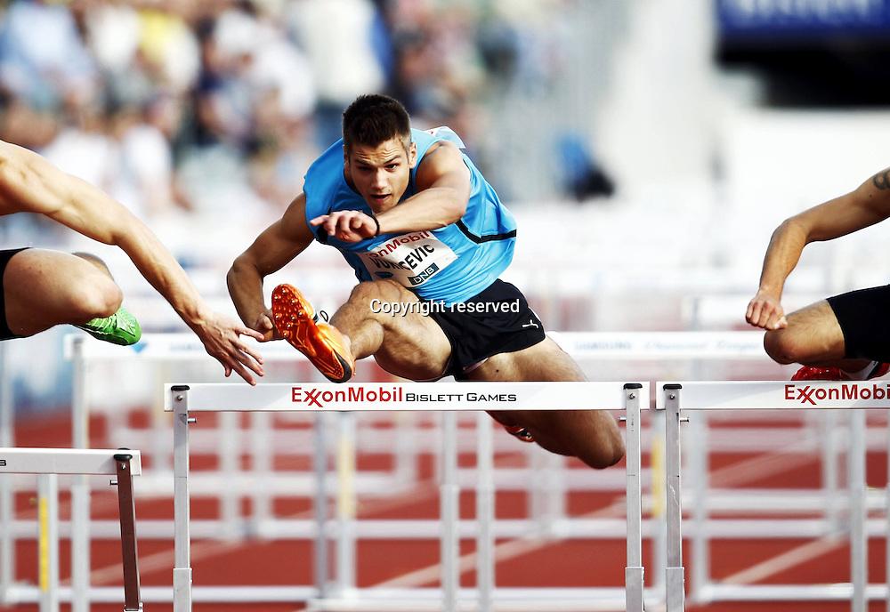 07.06.2012. Paris, France.   Diamond League Bislett Games Vladimir Vukicevic mens 110 metres Hurdles  Athletics