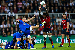 Callum Braley of Italy kicks over Courtney Lawes of England - Mandatory by-line: Robbie Stephenson/JMP - 06/09/2019 - RUGBY - St James's Park - Newcastle, England - England v Italy - Quilter Internationals