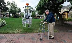 Pennsylvania: Peddler's Village Scarecrow Festival, 28 September 2016