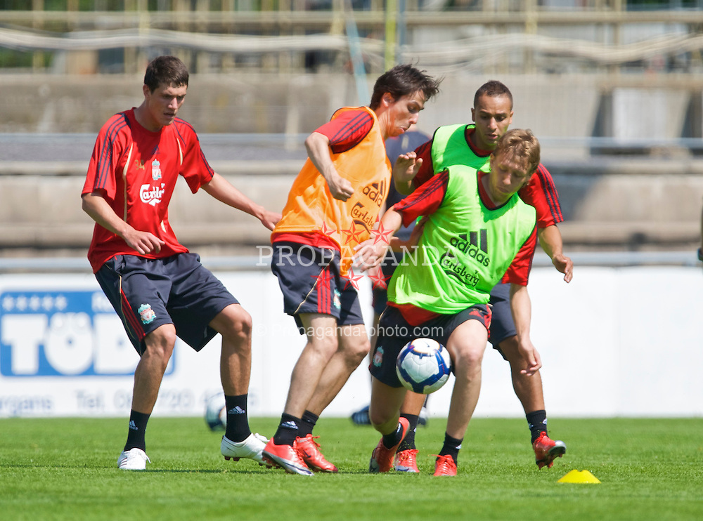 BAD RAGAZ, SWITZERLAND - Thursday, July 16, 2009: Liverpool's Martin Kelly, Yossi Benayoun and Lucas Leiva training at the Gemeinde Sportplatz in Bad Ragaz during the side's preseason training camp. (Pic by David Rawcliffe/Propaganda)