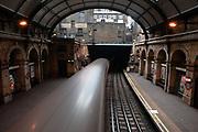 Paddington station, circle line.<br /> <br /> opname: digitaal<br /> c-print<br /> 90x60cm