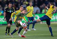 FODBOLD: Mikkel Damsgaard (FC Nordsjælland) tackles af Kamil Wilczek (Brøndby IF) under kampen i Superligaen mellem Brøndby IF og FC Nordsjælland den 13. maj 2019 på Brøndby Stadion. Foto: Claus Birch.