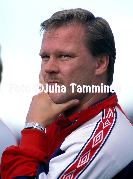 14.08.1999.Valmentaja Keijo Paananen - FF Jaro.©JUHA TAMMINEN