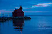The head light of the Lake Michigan canal lighthouse in Sturgeon Bay, Wisconsin.  (Mike Roemer Photo)