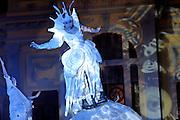 Belo Horizonte_MG, Brasil...Apresentacao do grupo Strangefruit, na Praca da Estacao em Belo Horizonte, Minas Gerais. Parte da programacao do teatro de rua do FIT (Festival Internacional de Teatro)...The Strangefruit theater group in Estacao square, Belo Horizonte, Minas Gerais. This presentation is in street theater project FIT (Festival Internacional de Teatro)...Foto: BRUNO MAGALHAES / NITRO