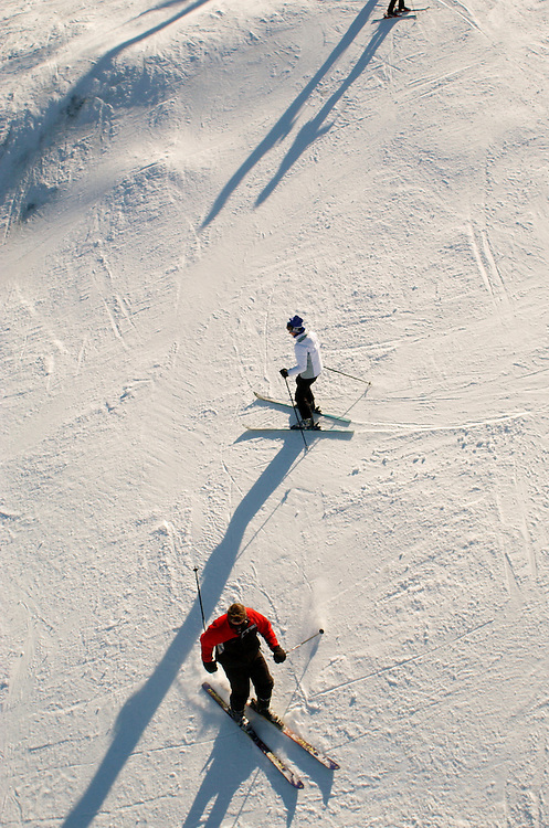 Skiers are seen on the slope at the Ascuney Mountain Resort in Brownsville, VT.<br /> JUSTIN LANE FOR THE NEW YORK TIMES