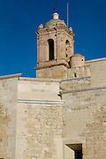 Exconvento dominico de Santo Domingo Yanhuitlán. Este edificio está ubicado en el valle de Nochixtlán, Oaxaca, se comenzó a construir por frailes dominicos en 1529. Se le ha realizado una restauración y la inauguración de un museo en el 2012.