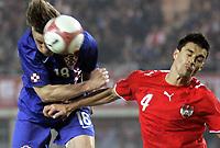 Fotball<br /> Privatlandskamp 23.05.2006<br /> Østerrike v Kroatia / Austria v Croatia<br /> Foto: Gepa/Digitalsport<br /> NORWAY ONLY<br /> <br /> Ivica Olic (CRO) und Paul Scharner (AUT)
