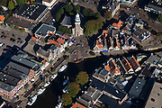 Nederland, Friesland, Gemeente Lemsterland, 08-09-2009; Lemmer, voormalig vissersdorp, watersportplaats, centrum met kerk..Lemmer, former fishing village, village centre with church.  .Luchtfoto (toeslag); aerial photo (additional fee required); .foto Siebe Swart / photo Siebe Swart