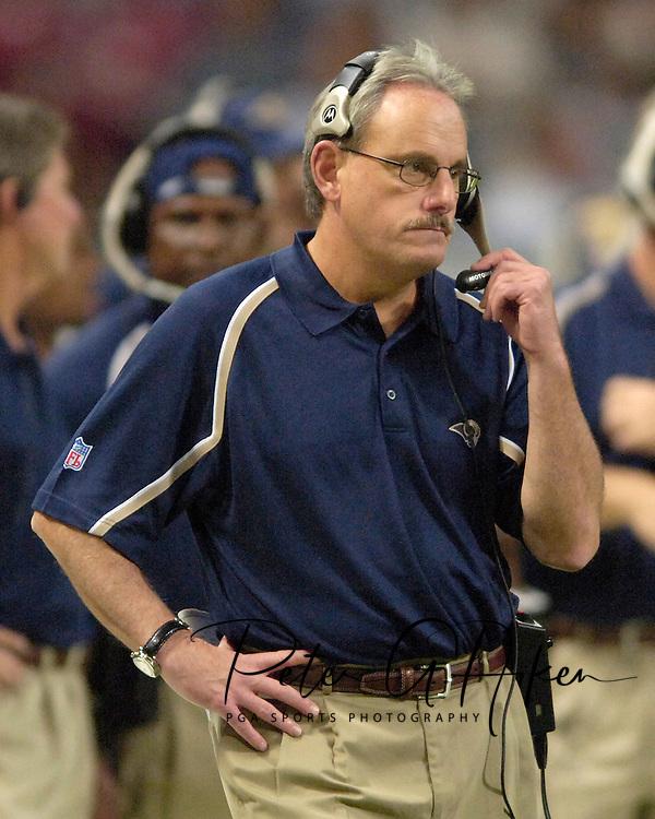 Rams assistant head coach Joe Vitt during game action against New Orleans at the Edward Jones Dome in St. Louis, Missouri, October 23, 2005.  The Rams beat the Saints 28-17.