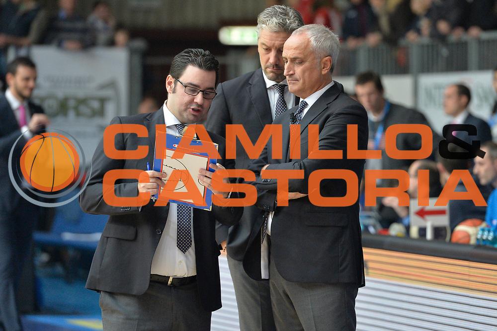 DESCRIZIONE : Cantu' Lega A 2015-16 Acqua Vitasnella Cantu' vs Vanoli Cremona<br /> GIOCATORE : Cesare Pancotto<br /> CATEGORIA : Coach Pregame<br /> SQUADRA : Vanoli Cremona<br /> EVENTO : Campionato Lega A 2015-2016<br /> GARA : Acqua Vitasnella Cantu' vs Vanoli Cremona<br /> DATA : 14/12/2015<br /> SPORT : Pallacanestro <br /> AUTORE : Agenzia Ciamillo-Castoria/I.Mancini<br /> Galleria : Lega Basket A 2012-2013  <br /> Fotonotizia : Cantu'  Lega A 2015-16 Acqua Vitasnella Cantu' Vanoli Cremona<br /> Predefinita :