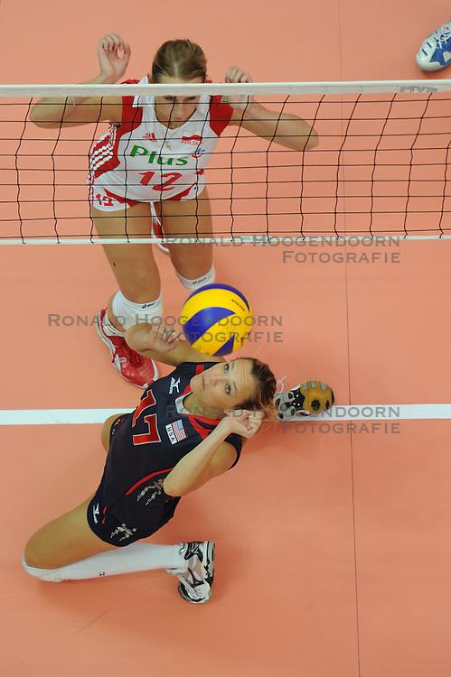 25-08-2010 VOLLEYBAL: WGP FINAL USA - POLAND: BEILUN NINGBO<br /> Heather Bown and Milena Sadurek<br /> &copy;2010-WWW.FOTOHOOGENDOORN.NL