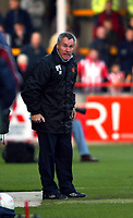 Photo. Chris Ratcliffe<br />Cheltenham v Hull. FA Cup Preliminary Round 08/10/2003<br />peter taylor tries to get his point across