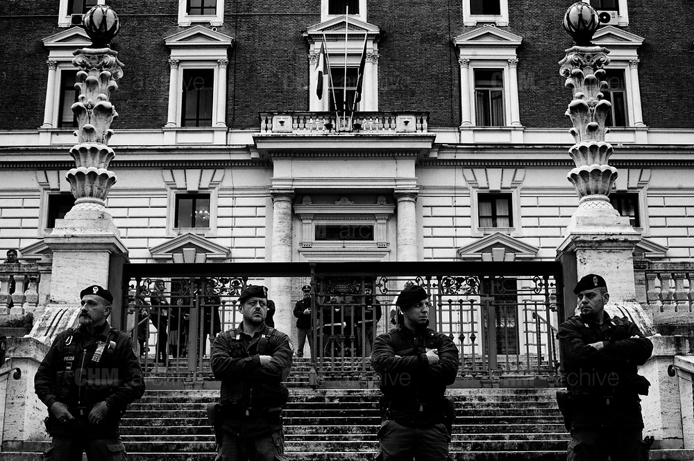 Riot police during the national firemen demonstration's in front of headquarters of Ministry of Interiors in Rome 6 November 2018. Christian Mantuano / OneShot