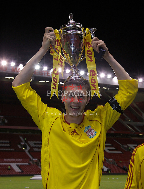 Manchester, England - Thursday, April 26, 2007: Liverpool striker Craig Lindfield celebrates with the trophy after beating Manchester United on penalties to win the FA Youth Cup for the second successive year during the FA Youth Cup Final 2nd Leg at Old Trafford. (Pic by David Rawcliffe/Propaganda)