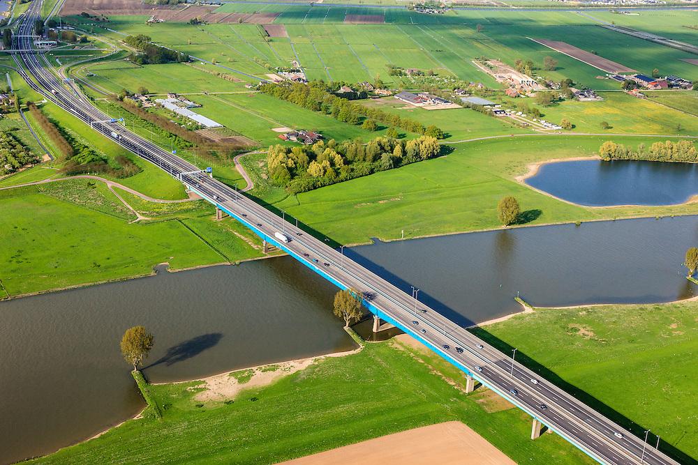 Nederland, Utrecht, Gemeente Gorinchem, 09-05-2013; Hagesteinsebrug over de Lek,  Rijksweg 27. Lekbrug A27.<br /> Bridge over river Lek, near Utrecht.<br /> luchtfoto (toeslag op standard tarieven);<br /> aerial photo (additional fee required);<br /> copyright foto/photo Siebe Swart.