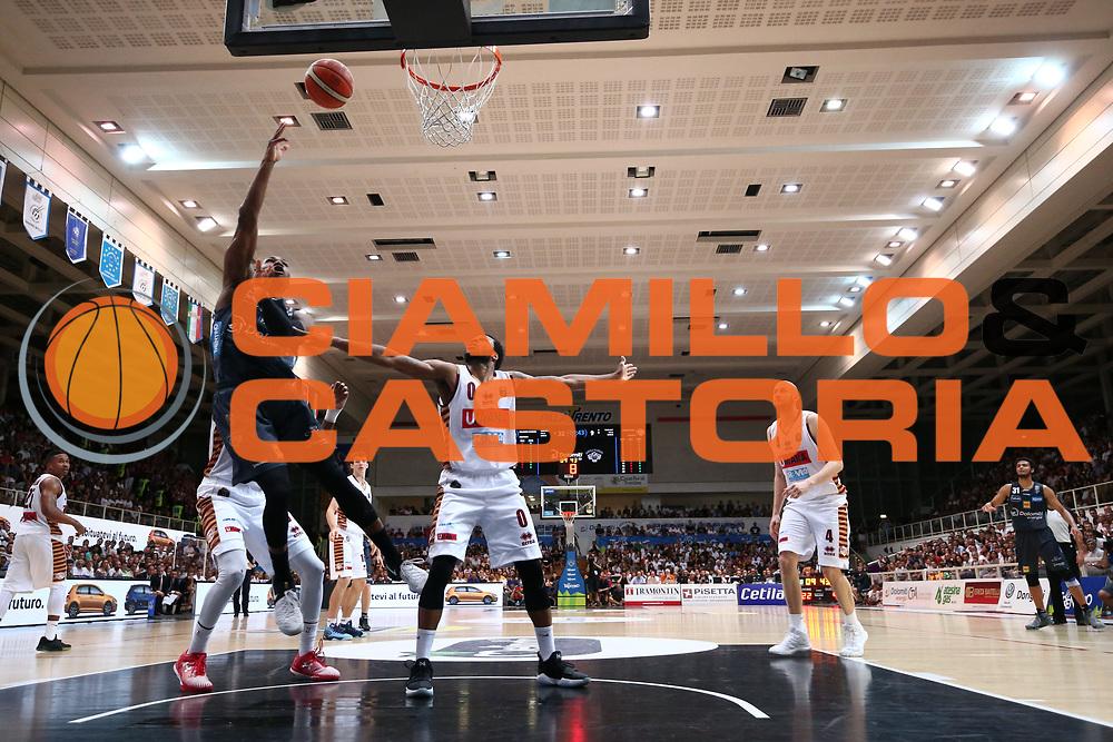 Dominique Sutton<br /> Dolomiti Energia Aquila Basket Trento - Umana Reyer Venezia <br /> Lega Basket Serie A 2016/17 Finali Gara 04<br /> Trento, 16/06/2017<br /> Foto Ciamillo-Castoria