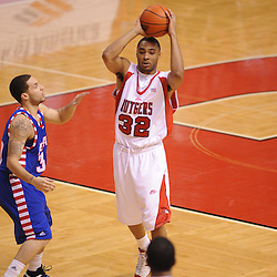 Jan 31, 2009; Piscataway, NJ, USA; Rutgers guard/forward Jaron Griffin (32) passes to teammate Rutgers guard/forward Earl Pettis (11) during the second half of Rutgers' 75-56 victory over DePaul in NCAA college basketball at the Louis Brown Athletic Center