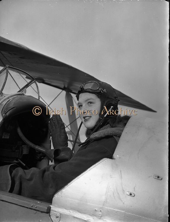 Weston Aerodrome, Leixlip, Co. Kildare.24/03/1954