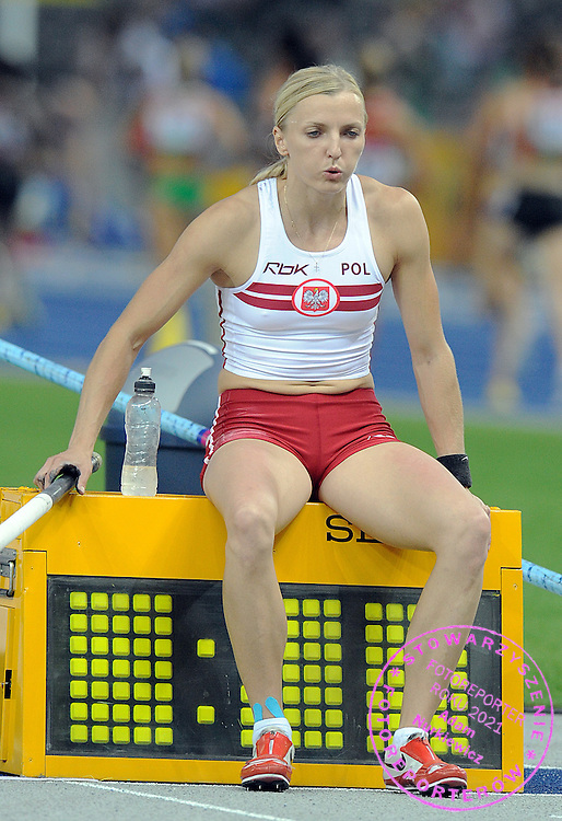 ANNA ROGOWSKA (POLAND) COMPETES IN POLE VAULT WOMEN FINAL ON THE OLYMPIC STADION ( OLIMPIASTADION ) DURING 12TH IAAF WORLD CHAMPIONSHIPS IN ATHLETICS BERLIN 2009.ANNA ROGOWSKA TOOK THE GOLD MEDAL..BERLIN , GERMANY , AUGUST 17, 2009..( PHOTO BY ADAM NURKIEWICZ / MEDIASPORT )..PICTURE ALSO AVAIBLE IN RAW OR TIFF FORMAT ON SPECIAL REQUEST.