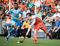 WAALWIJK -  RABO SUPER SERIE . Seve van Ass (Ned)   tijdens  de hockeyinterland heren  Nederland-India (3-4),  ter voorbereiding van het EK,  dat vrijdag 18/8 begint.  COPYRIGHT KOEN SUYK