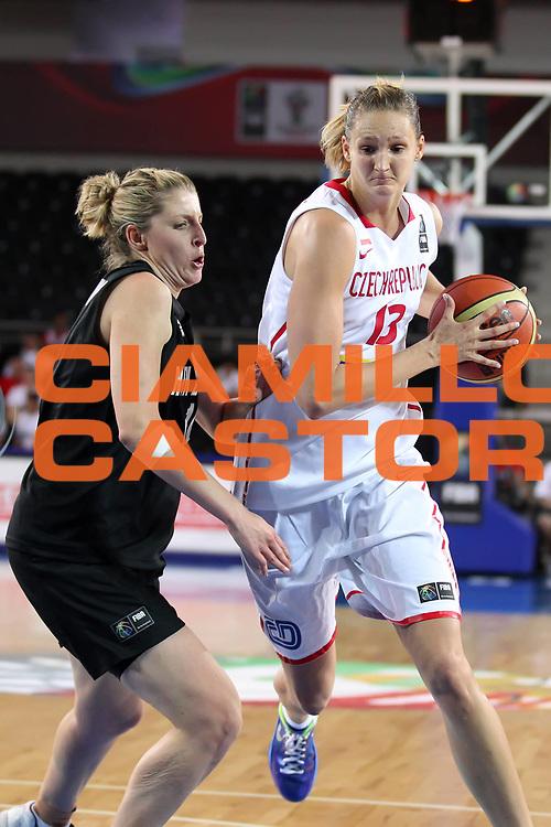 DESCRIZIONE : Ankara Turkey FIBA Olympic Qualifying Tournament for Women 2012 Czech Republic New Zeland Repubblica Ceca Nuova Zelanda<br /> GIOCATORE : Petra KULICHOVA<br /> SQUADRA : Czech Republic Repubblica Ceca <br /> EVENTO :  FIBA Olympic Qualifying Tournament for Women 2012<br /> GARA : Czech Republic New Zeland Repubblica Ceca Nuova Zelanda<br /> DATA : 25/06/2012<br /> CATEGORIA :<br /> SPORT : Pallacanestro <br /> AUTORE : Agenzia Ciamillo-Castoria/ElioCastoria<br /> Galleria : FIBA Olympic Qualifying Tournament for Women 2012<br /> Fotonotizia : Ankara Turkey FIBA Olympic Qualifying Tournament for Women 2012 Czech Republic New Zeland Repubblica Ceca Nuova Zelanda<br /> Predefinita :