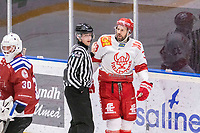 2020-01-19 | Umeå, Sweden:Vallentuna (33) Andreas Paulsson in a dispute in  AllEttan during the game  between Teg and Vallentuna at A3 Arena ( Photo by: Michael Lundström | Swe Press Photo )<br /> <br /> Keywords: Umeå, Hockey, AllEttan, A3 Arena, Teg, Vallentuna, mltv200119, angry frustrated