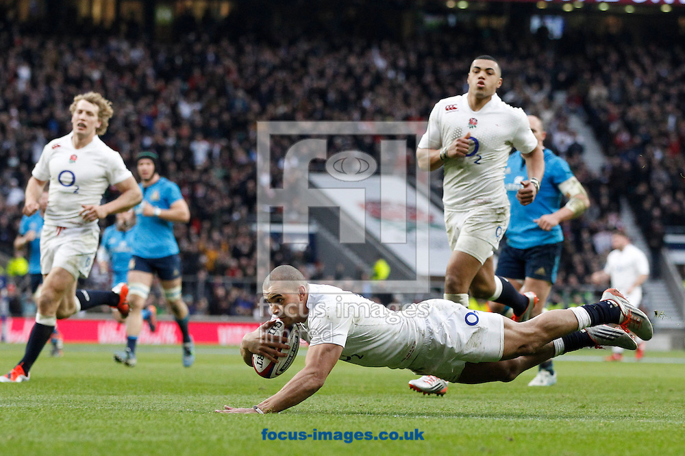 Jonathan Joseph of England scores his second try during the RBS 6 Nations match at Twickenham Stadium, Twickenham<br /> Picture by Andrew Tobin/Focus Images Ltd +44 7710 761829<br /> 14/02/2015