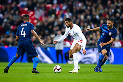 Ruben Loftus-Cheek of England takes on Tyler Adams of USA - Mandatory by-line: Robbie Stephenson/JMP - 15/11/2018 - FOOTBALL - Wembley Stadium - London, England - England v United States of America - International Friendly