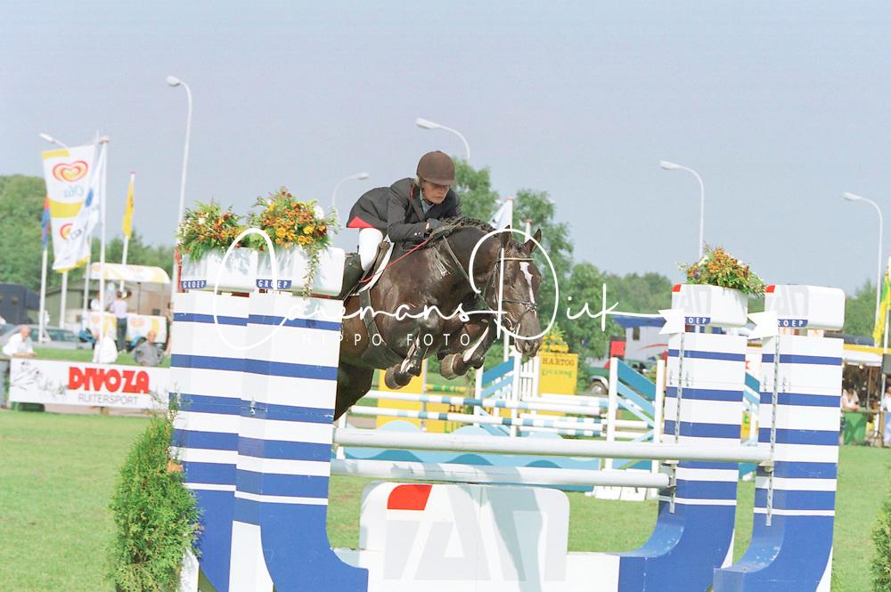 Klompmaker Hester-Plesman<br />KWPN Paardendagen 2001<br />Photo &copy; Dirk Caremans