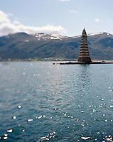 Den ferdigbygde 2012-utgaven av Slinningsbålet er klart til å tennes opp.<br /> Foto: Svein Ove Ekornesvåg