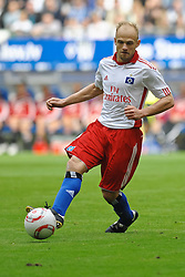 11.09.2010, Imtech Arena, Hamburg, GER, 1.FBL, Hamburger SV vs 1.FC Nuernberg, im Bild Einzelaktion David Jarolim (Hamburg #14)  EXPA Pictures © 2010, PhotoCredit: EXPA/ nph/  Witke+++++ ATTENTION - OUT OF GER +++++