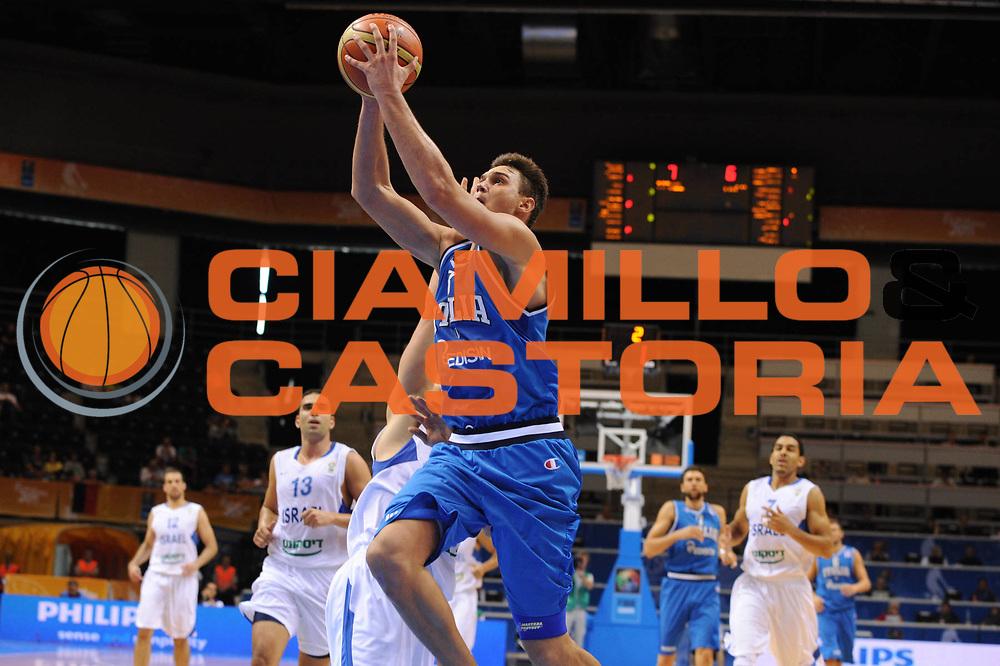 DESCRIZIONE : Siauliai Lithuania Lituania Eurobasket Men 2011 Preliminary Round Italia Israel Italy Israele<br /> GIOCATORE : Danilo Gallinari<br /> SQUADRA : Italia Italy<br /> EVENTO : Eurobasket Men 2011<br /> GARA : Italia Israele Italy Israel<br /> DATA : 05/09/2011 <br /> CATEGORIA : tiro <br /> SPORT : Pallacanestro <br /> AUTORE : Agenzia Ciamillo-Castoria/GiulioCiamillo<br /> Galleria : Eurobasket Men 2011 <br /> Fotonotizia : Siauliai Lithuania Lituania Eurobasket Men 2011 Preliminary Round Italia Israel Italy Israele<br /> Predefinita :