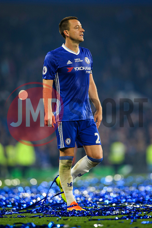John Terry of Chelsea, Chelsea celebrate at the end of the match, final score Chelsea 4-3 Watford - Mandatory by-line: Jason Brown/JMP - 15/05/2017 - FOOTBALL - Stamford Bridge - London, England - Chelsea v Watford - Premier League