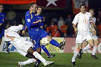 Fotball<br /> VM-kvalifisering<br /> Andorra v Nederland<br /> 17. november 2004<br /> Foto: Digitalsport<br /> NORWAY ONLY<br /> mario melchiot en phillip cocu