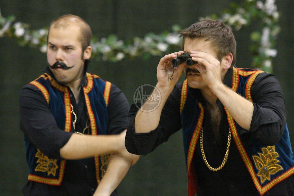 Michael Krzankowski and Alex Mansoori in Cosi Fan Tutte
