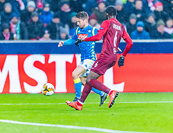 14.03.2019, Red Bull Arena, Salzburg, AUT, UEFA EL, FC Red Bull Salzburg vs SSC Napoli, Achtelfinale, Rückspiel, im Bild v.l. Dries Mertens (SSC Napoli), Jerome Onguene (FC Salzburg) // during the UEFA Europa League round of 16, 2nd leg match between FC Red Bull Salzburg and SSC Napoli at the Red Bull Arena in Salzburg, Austria on 2019/03/14. EXPA Pictures © 2019, PhotoCredit: EXPA/ Stefan Adelsberger