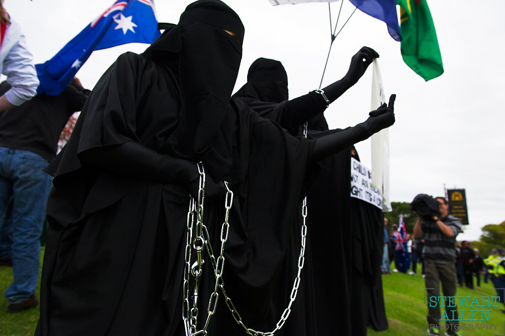Best Picture Essay.<br /> Stewart Allen.<br /> The Sunday Times.<br /> Rival anti-Islam and pro-diversity protesters come face to face at a Reclaim Australia rally.