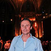 NLD/Amsterdam/20110216 - Boekpresentatie Twaalf goeroes, dertien ongelukken van schrijver Johan Noorloos,
