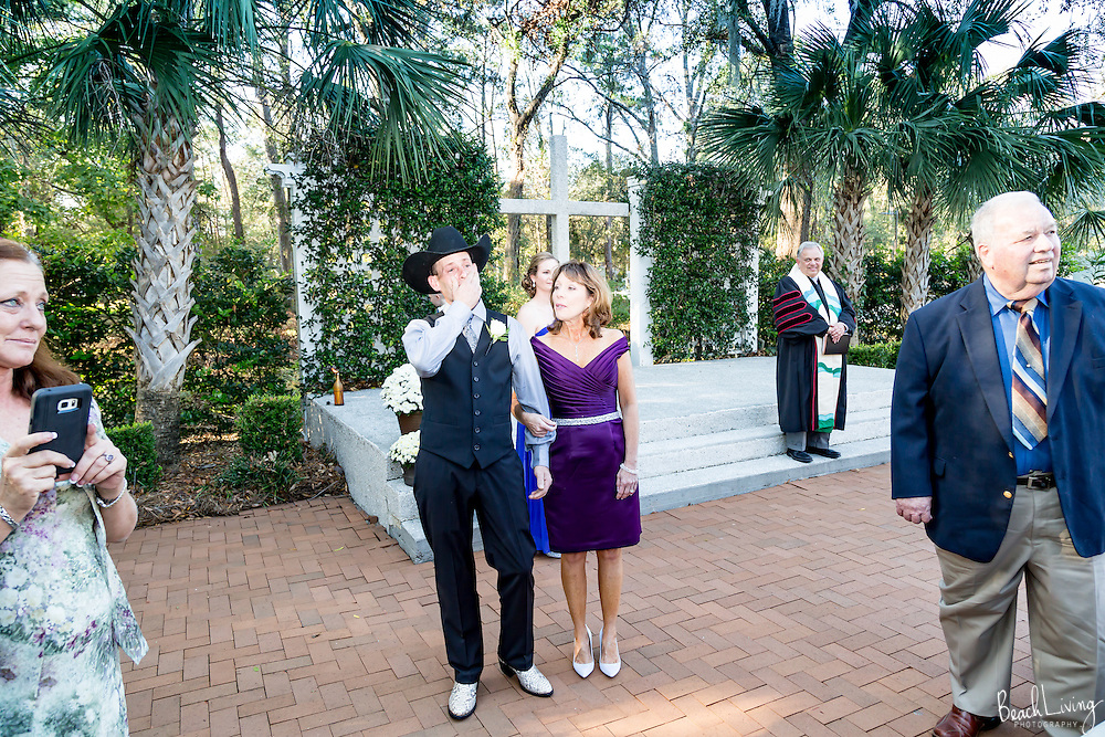 Ezra and Katie Burroughs wedding at Belin Methodist Church.  St. Johns Outside Chapel